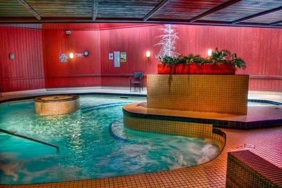 The Woodlands Inn: 17,000 Jacuzzi Hot Tub