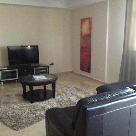 Ciqala Luxury Suites: Part of living room