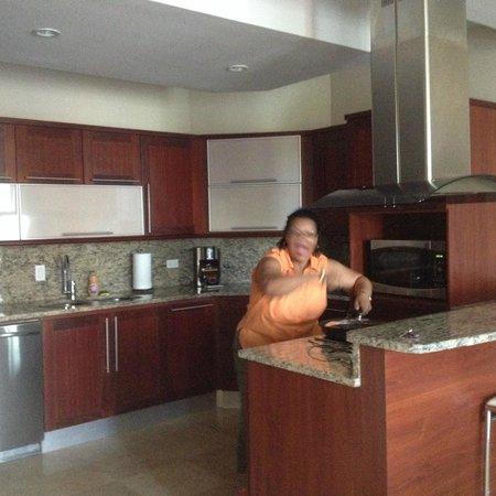 Ciqala Luxury Suites : Kitchen
