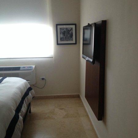 Ciqala Luxury Suites : 2nd room TV
