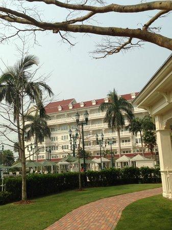 Hong Kong Disneyland Hotel : Victorian building