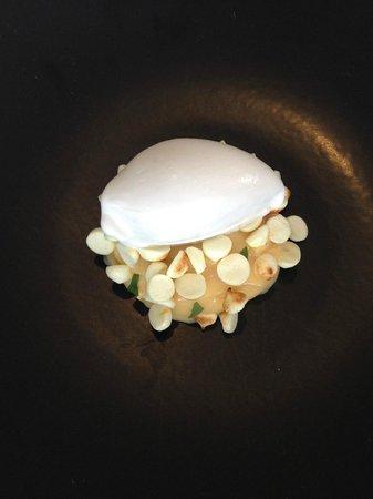 Cottage Point Inn : Lemon curd with Meringue