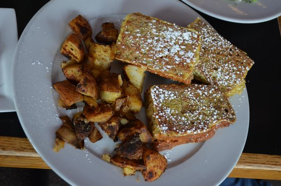 Mia's Cafe: Homemade banana bread french toast with home fries