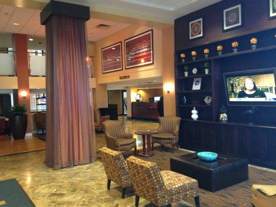 Westchester Marriott: Hotel lobby