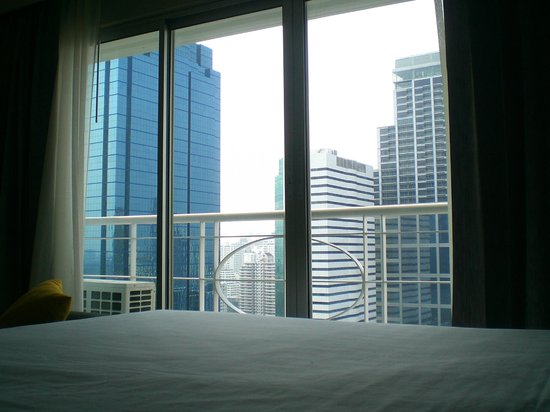 Somerset Lake Point Bangkok : room with balcony