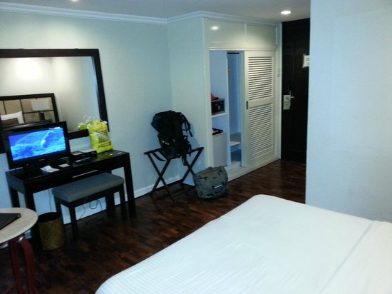 The Sugarland Hotel: Room