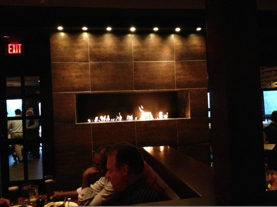 Stanford Grill: Inviting fireplace, probably need to call ahead to get a close seat