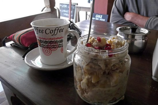 Am/Pm Organic Cafe: Muesli-fruit-curd with a difference