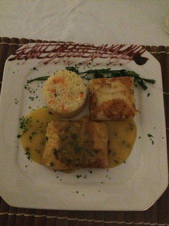 O Casarão Restaurante: Salmão ao molho de maracujá