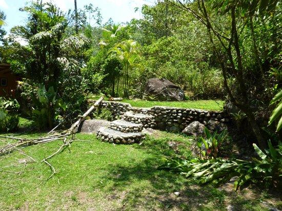 Monte Azul : garden steps