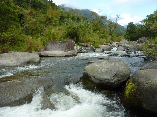 Monte Azul : beautiful river