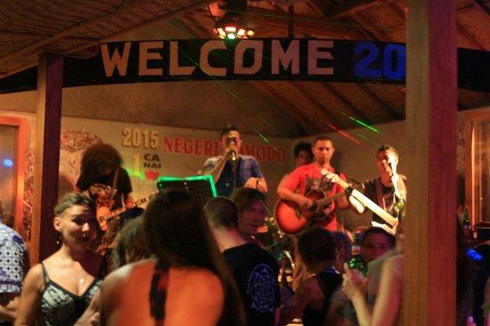 Paradise Bar: Live Music