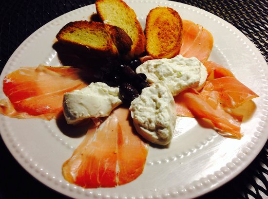 Trattoria Cattaneo: Burrata cheese & Parma prosciutto with homemade crostini, drizzled with EVOO❤️❤️❤️