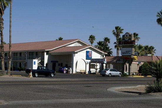 Motel 6 Casa Grande: Casa Grande Motel 6 and Golden 9 Restaurant Entrance