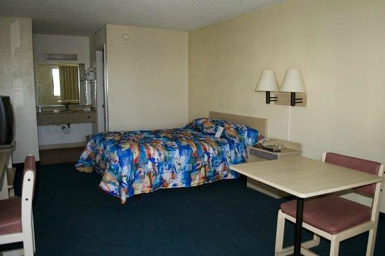 Motel 6 Casa Grande: Room 107, Casa Grande Motel 6
