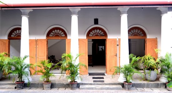 Muhsinvilla : entrance to the hotel