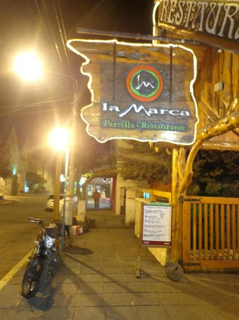 La Marca: Entrada del restaurant