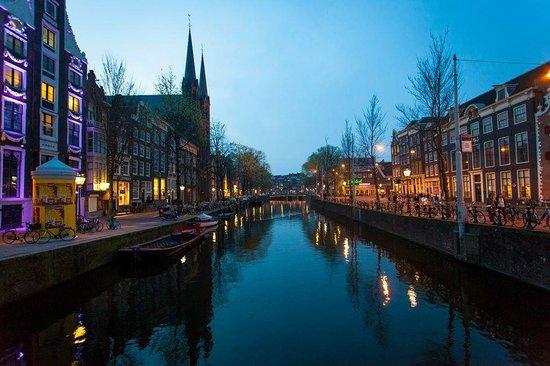 Jordaan: Canal at Night