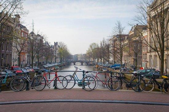 Jordaan: Bikes on Bridge
