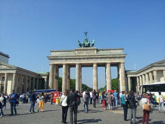 Maritim proArte Hotel Berlin: brandenberg gate