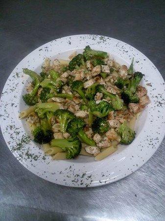 Papa Al's: Chicken Broccoli
