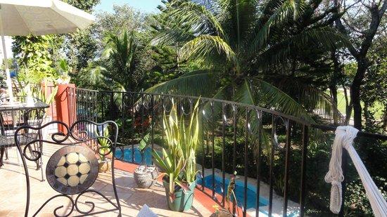 Ethnic B&B: balcón del desayuno, vista al golf
