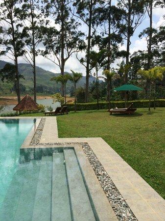 Ceylon Tea Trails - Relais & Chateaux : Piscina