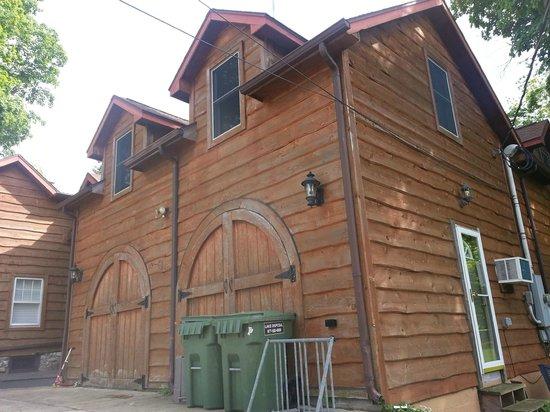 The Getaway Inn at Cooper's Woods: The inn