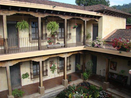 La Casona de Antigua: VISTA DESDE EL SEGUNDO NIVEL