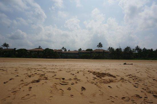 Heritance Ahungalla: endless beach