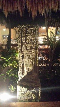 Iberostar Tucan Hotel : mayan art