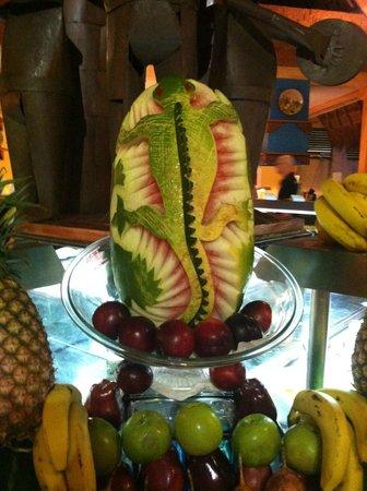 Iberostar Tucan Hotel : carved watermelon at fresh fruit bar
