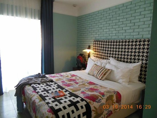 Center Chic Hotel Tel Aviv - an Atlas Boutique Hotel: Our room at the Chic Hotel. We loved it here