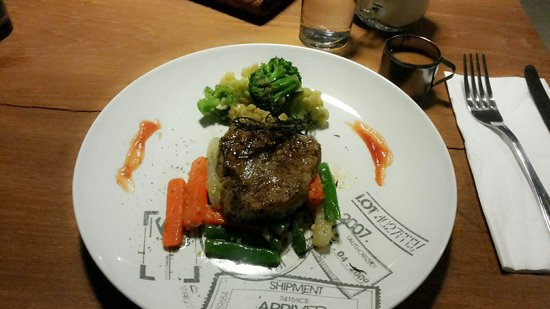 FRii Bali Echo Beach, Hotel : FRii Steak..