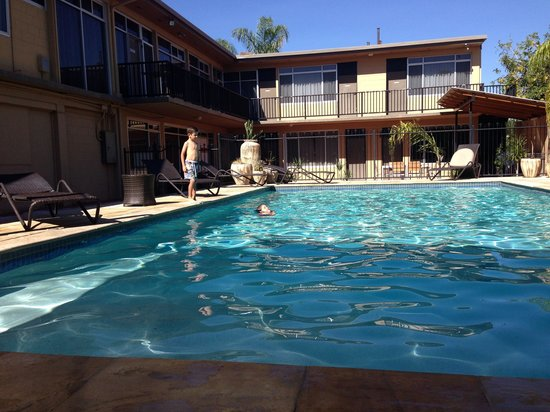 Diplomat Alice Springs: Nice, big pool