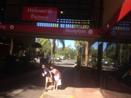 Diplomat Alice Springs : Open by day, gated entrances