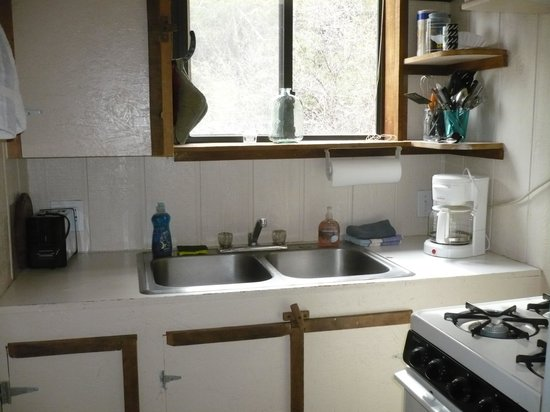 Double T Homestead: Kitchenette