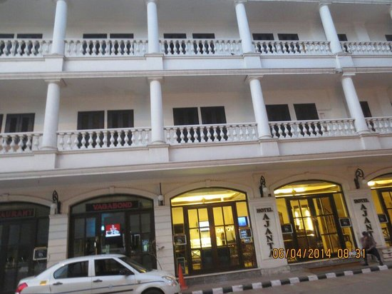 Hotel Ajanta: Front view of the hotel
