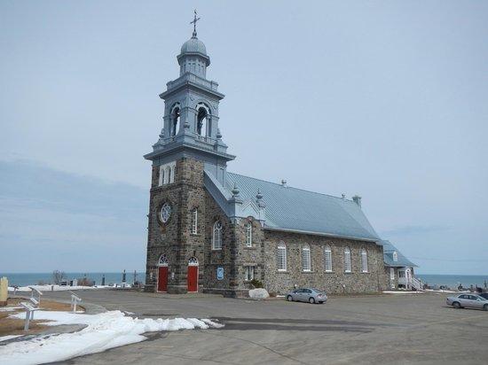 La Maison des Gallant : Église au coeur du village