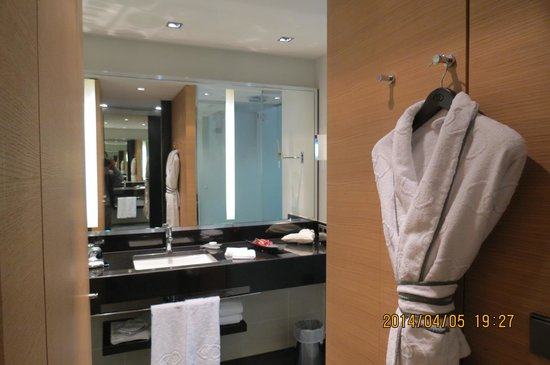 Sofitel Luxembourg Le Grand Ducal : 部屋内(洗面所)