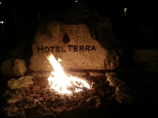 Hotel Terra Jackson Hole, A Noble House Resort : The welcome fire outside of the lobby entrance at night