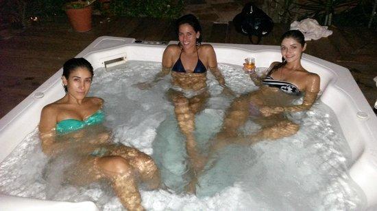 Pousada Vila Bela Vista: Curtindo a hidro com as amigas.