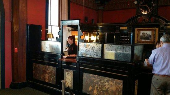 1886 Crescent Hotel & Spa : Beauty front desk.