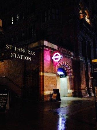 YHA London St Pancras: St.Pancras Station