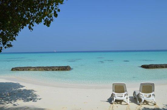 Kuramathi Island Resort: In front of the Deluxe Beach Villa