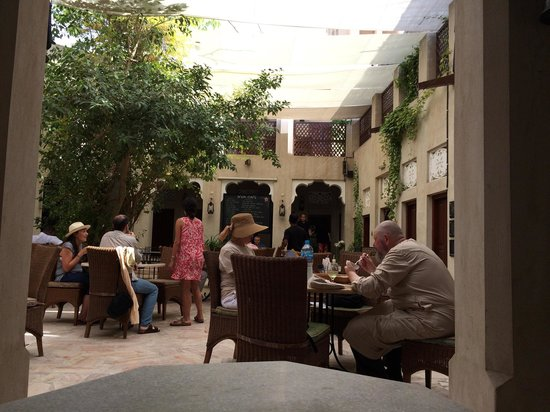 XVA Art Hotel: Courtyard café