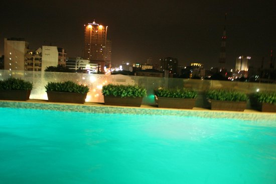 Luxent Hotel : Night view