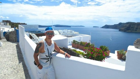 Rena's Rooms & Suites: at Oia