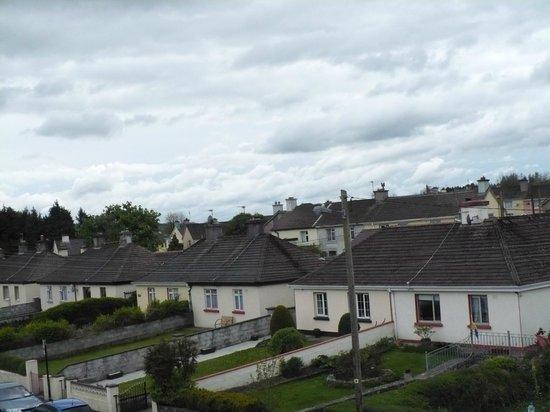 Ashford Court Boutique Hotel : Vista sul tipico quartiere residenziale irlandese.