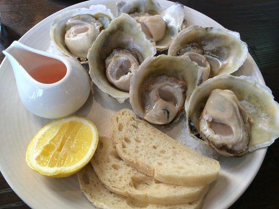 Fiddlesticks Restaurant & Bar: Bluff Oysters